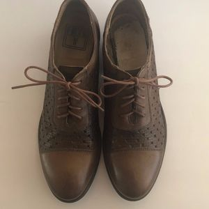 Frye Leather Woven Oxfords